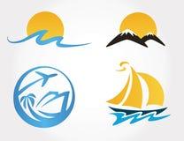 Uppsättning av loppsymbolsberg, vågor, yacht stock illustrationer