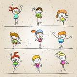 Uppsättning av lyckliga ungar för handteckningstecknad film som kör maraton Arkivfoton