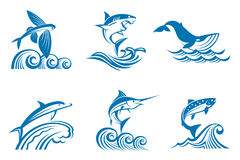 Uppsättning av marin- liv på vågor vektor illustrationer