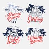 Uppsättning av Miami Beach och att surfa skriftlig bokstäver för hand Arkivfoton
