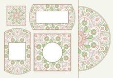 Uppsättning av mjuka hälsningkort eller inbjudningar med den blom- cirkelprydnaden för klotter för att gifta sig, mors dag, valen Arkivfoto