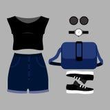 Uppsättning av moderiktiga kvinnors kläder Dräkt av den kvinnakortslutningar, överkanten och a Royaltyfri Bild