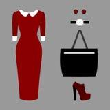 Uppsättning av moderiktiga kvinnors kläder Dräkt av kvinnaklänningen och tillbehör Kvinnors garderob Royaltyfria Foton