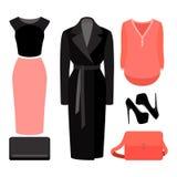 Uppsättning av moderiktiga kvinnors kläder Dräkt av kvinnalaget, kjol, blo Fotografering för Bildbyråer