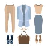 Uppsättning av moderiktiga kvinnors kläder Dräkt av kvinnaomslaget, underbyxor, Fotografering för Bildbyråer