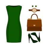 Uppsättning av moderiktiga kvinnors kläder med den gröna klänningen och tillbehör Royaltyfri Bild