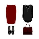 Uppsättning av moderiktiga kvinnors kläder med den röda kjolen, blusen och tillträde Royaltyfri Bild