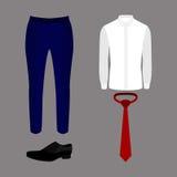 Uppsättning av moderiktiga mäns kläder med flåsanden, skjortan, bandet och skor Royaltyfri Fotografi