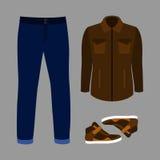 Uppsättning av moderiktiga mäns kläder med jeans, vindtygsjackan och gymnastikskor Arkivfoton