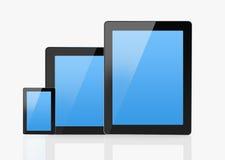 Uppsättning av moderna smarta apparater som isoleras på vit Arkivfoton