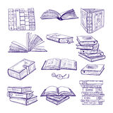 Uppsättning av olika böcker Handen drog vektorn skissar Klotterillustrationisolat på vit Arkivfoton