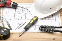 Uppsättning av olika hjälpmedel för reparation och konstruktion arkivfoto