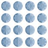 Uppsättning av olika plana snöflingor Stock Illustrationer