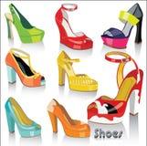 Uppsättning av olorful modekvinnligskor och sandaler w Vektor Illustrationer