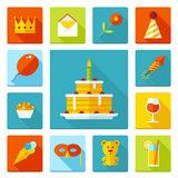Uppsättning av plana symboler för födelsedagparti Ferie bröllop, jubileum, fira av händelsen Fotografering för Bildbyråer