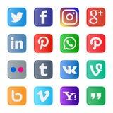 uppsättning 16 av populära sociala massmediasymboler och knappar Royaltyfria Foton
