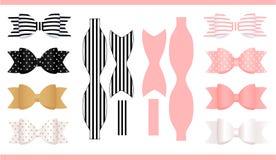 Uppsättning av realistisk papperspilbågar, rosa färger, guld, vit och svart Tryck och snitt Mall av den klassiska hantverkpilbåge Royaltyfri Bild
