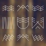 Uppsättning av retro campa symboler royaltyfri illustrationer