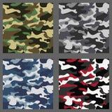 Uppsättning av sömlös modellbakgrund för kamouflage Klassisk klädstil som maskerar camorepetitiontrycket Gräsplan brunt, svart stock illustrationer
