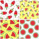 Uppsättning av sömlösa modeller med vattenmelon Sommarmodeller vektor Enkla bakgrunder med vattenmelon Royaltyfri Foto