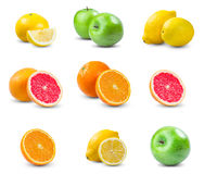 Uppsättning av saftiga frukter - apelsin, citron, grapefrukt, grönt äpple Rich med vitaminer bakgrund isolerad white Royaltyfri Fotografi