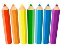 Uppsättning av sju färgade blyertspennor på vit bakgrund också vektor för coreldrawillustration Arkivfoton