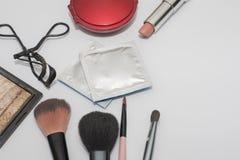 Uppsättning av skönhetsmedel, preventivmedel, kondom Arkivfoto
