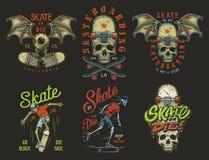 Uppsättning av skateboarding emblem royaltyfri illustrationer