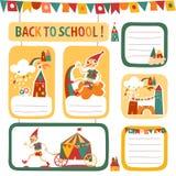 Uppsättning av skolbarns klistermärkear och etiketter med hus Arkivfoton
