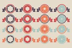 Uppsättning av slutaresymbolen med bandet Slutareemblemsymbol vektor illustrationer