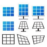 Uppsättning av solpaneler i många stil vektor illustrationer