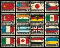 Uppsättning av stämplar med flaggor av olika länder stock illustrationer