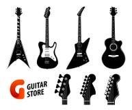 Uppsättning av svart färg för gitarrkonturer som isoleras på vitt - elektriska och akustiska gitarrer och logo för musiklager vektor illustrationer