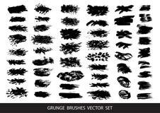 Uppsättning av svart målarfärg, färgpulver, grunge, smutsiga borsteslaglängder också vektor för coreldrawillustration vektor illustrationer