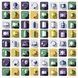 Uppsättning av symboler för vektorteknologilägenhet av PC:N, bildskärm, hörlurar, router, batteri, USB exponeringsdrev, rengöring Arkivbilder