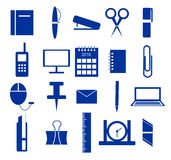 Uppsättning av symboler, kontorstillförsel i blått Arkivbilder