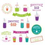 Uppsättning av symboler, logoen, beståndsdelar, symboler, emblem och etiketter - smoothie, kaffe som går, frappe, fruktsaft, fruk Arkivfoto