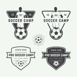 Uppsättning av tappningfotboll- eller fotbolllogoen, emblem, emblem Royaltyfri Bild
