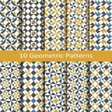 Uppsättning av tio geometriska modeller för sömlös vektor design för tegelplattor, räkning, textil Royaltyfria Bilder
