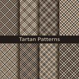 Uppsättning av tio gingham och sömlösa vektormodeller för tartan design för att bekläda som förpackar, räkningar vektor illustrationer