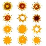 Uppsättning av tolv solar Gula strålar Royaltyfri Bild