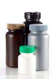 Uppsättning av tomma plast- behållare för medicin royaltyfri bild