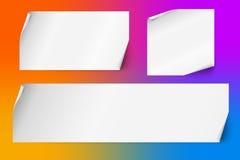 Uppsättning av tomma vita ark av papper med krullade hörn också vektor för coreldrawillustration Royaltyfri Foto