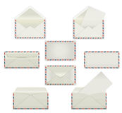 Uppsättning av tomma vita kuvert Mallmodeller i fyra sikter, framdel och baksida, öppet och stängt, förseglat och utskrivavet med Royaltyfria Foton