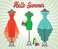 Uppsättning av tre coctailklänningar med tillbehör Hello sommar Arkivbild