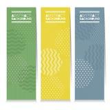 Uppsättning av tre färgrika abstrakta vertikala baner royaltyfri illustrationer