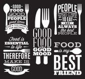 Uppsättning av typografiska matcitationstecken för tappning för meny eller t-förskjutning med kniven, sked, gaffel royaltyfri illustrationer