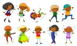 Uppsättning av ungar som sjunger och dansar Arkivbild