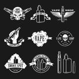 Uppsättning av vape, e-cigarett emblem, etiketter, tryck och logoer också vektor för coreldrawillustration vektor illustrationer