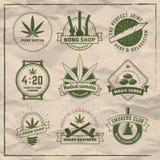 Uppsättning av vektormarijuana som röker emblem Arkivbild